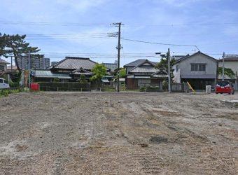 海も生活施設も近いので定住者にも便利。