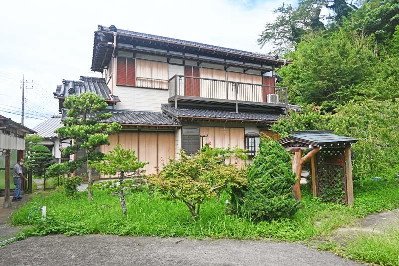 大多喜町上原 ☆ 2600万円 ☆ 6LDK+倉庫